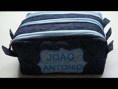 ESTOJO TRIPLO - YouTube Patchwork Bags, Patchwork Ideas, Clutch Pattern, Pouch, Wallet, Makeup Case, Diy Videos, Coin Purse, Sewing
