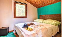 Vier Schlafzimmer Steinhaus mit Strandlage und Privatstrand - Vela Luka Bergen, Bed, House, Furniture, Home Decor, Bedroom, Living Room, Cottage House, Vacation