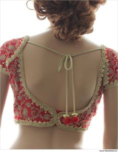 Silk saree blouse designs give a distinctive meaning to the whole concept of beauty and elegance. Here are the top blouse designs for silk sarees Silk Saree Blouse Designs, Choli Designs, Blouse Patterns, Silk Sarees, Stylish Blouse Design, Blouse Models, Indian Outfits, Indian Attire, Red Blouses
