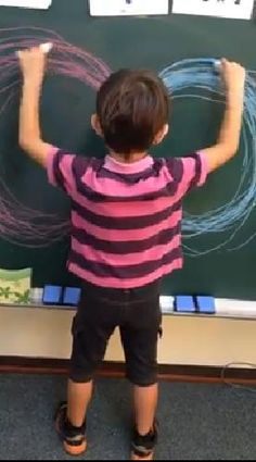 Bimanual Circles on the Chalkboard The goal of this activity is to develop or enhance integration of the right and left sides of the body. Visual Motor Activities, Sensory Activities, Therapy Activities, Activities For Kids, Physical Activities, Pediatric Occupational Therapy, Pediatric Ot, Physical Development, Child Development