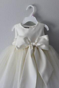 Girls Dresses, Flower Girl Dresses, Hair Wreaths, Communion Dresses, Bridesmaid Dresses, Wedding Dresses, Handmade Flowers, Tulle Dress, Types Of Dresses