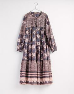 Matta Yamini Booj Dress in Shadow * Bestseller * cotton * Block printed cotton voile * True to size Pakistani Dresses Casual, Indian Dresses, Casual Dresses, Loose Dresses, Simple Dresses, Saree Blouse Designs, Blouse Patterns, Dress Designs, Ny Dress
