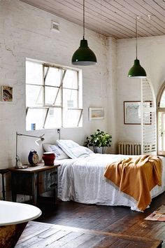 white vintage room bedroom design Home boho bohemian Interior Interior Design house cosy cozy interiors decor decoration living minimalism minimal simple deco clean nordic scandinavian Dream Bedroom, Home Bedroom, Bedroom Ideas, Master Bedroom, Peaceful Bedroom, Bedroom Loft, Brick Bedroom, Bedroom Designs, Fall Bedroom