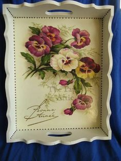 Fotoğraf Decoupage Paper, Decoupage Vintage, Wood Tray, Painted Trays, Painted Chairs, Tole Painting, Painting On Wood, Handmade Crafts, Diy Crafts
