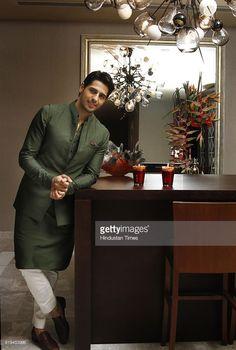 New Fashion Urban Ethnic Ideas Wedding Kurta For Men, Wedding Dresses Men Indian, Indian Wedding Wear, Wedding Dress Men, Wedding Men, Menswear Wedding, Wedding Sherwani, Wedding Groom, Wedding Suits