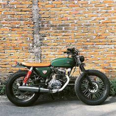 motomood:  Honda CB125 brat