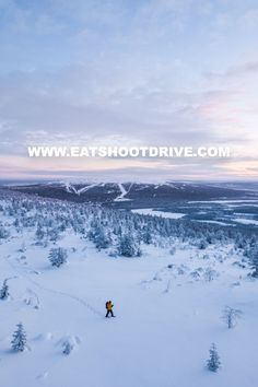 Snowshoeing over the fells approaching kaamos 'polarnight' is another worldly expericnce. A Blue hour hike that seems to last forever and when the light hits it fades just as quickly as it appeared. #eatshootdrive #snowshoe #winteradventure #privatetour #polarnight #arcitccircle