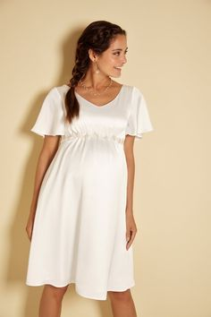 We've made finding a maternity wedding dress easy with expert advice and a collection of the prettiest gowns for pregnant brides to be Wedding Dress For Short Women, Wrap Wedding Dress, Wedding Dress Brands, Wedding Jumpsuit, Pregnant Wedding Dress, Dream Wedding Dresses, Wedding Suits, Pregnant Brides, Maternity Gowns