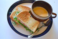 昨日のかなるディナー:ルッコラサンドと秋のスープ