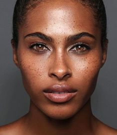 Melanated black girls with freckles, black freckles, freckles girl Black Girls With Freckles, Freckles Girl, Freckles On Dark Skin, Beautiful Freckles, Beautiful Eyes, Beautiful People, No Make Up Make Up Look, Freckle Face, Beauty Dupes