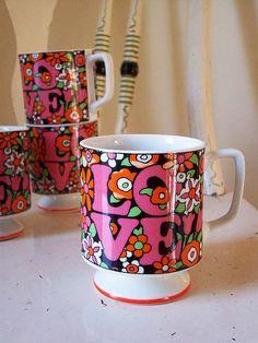 Mod •~• vintage LOVE mugs