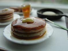 Miniature: making pancakes