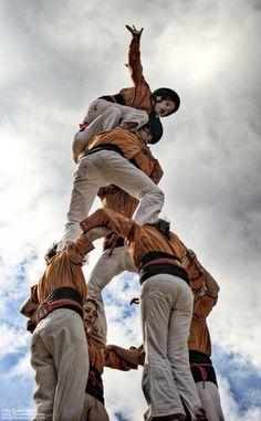 Sagals d'Osona - Plà de l'Esgésia - Muntanyola - 09/03/2008 12:57h Feast Of Corpus Christi, Barcelona, Black And White People, Gaudi, True Beauty, Small Towns, Spain, Europe, Culture