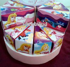 identikid - Torta con 12 cajitas en forma de porciones, realizada en papel ilustración de 300grs, totalmente personalizadas, incluye disco de telgopor forrado y cartel central -ideal para regalar golosinas como recuerdo de tu fiesta- pueden hacerse dos pisos - www.facebook.com/identikid