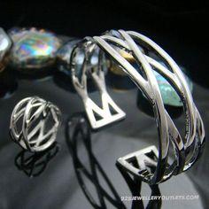 Tiffany knot sets