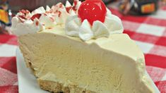 This Rootbeer float freezer pie is so good! I love making root beer floats and turning it into a pie is super tasty. The best part? It is SO easy and it doesn't even go in the oven! Yep, just pop it in the freezer overnight and enjoy. Root Beer, Freezer, Pie, Cheesecake, Tasty, Desserts, Food, Torte, Tailgate Desserts