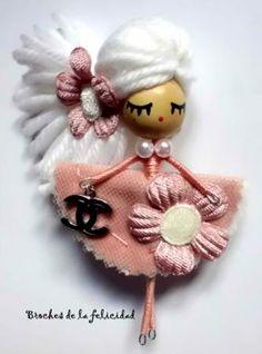 broche muñeca alambre-madera broche muñeca/doll brooch madera,tela,hilo totalmente a mano