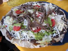 Oaxaca is one of Mexico's popular foodie destinations. Here are some foods and drinks you should sample on a visit to Oaxaca. Breakfast Crepes, Mexican Food Recipes, Ethnic Recipes, Exotic Food, Grubs, Street Food, Summer Recipes, Food And Drink, Yummy Food