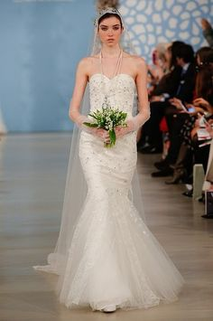 Bridal+Fashion+Week:+See+Oscar+de+la+Renta's+Gorgeous+Wedding+Dresses+|
