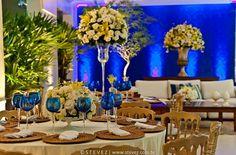 Essa cor azul com as flores amarelas combinaram super bem !
