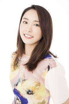 Amazon | 新垣結衣 2017年 カレンダー 壁掛け B2 CL-154 | カレンダー | 文房具・オフィス用品 Beautiful Japanese Girl, Cute Japanese, Japanese Beauty, Beautiful Asian Women, Asian Beauty, Prity Girl, Celebrity Faces, Kawaii Girl, Cool Girl