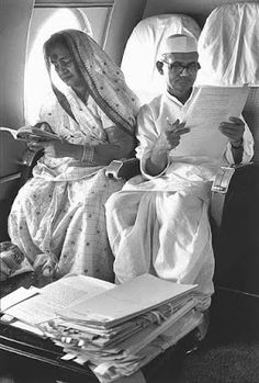 """The birth anniversary of Lal Bahadur Shastri, India's second Prime Minister, also falls on October This picture of him with his wife - who is in a simple cotton saree and blouse worn """"UP style"""" -. Rare Pictures, Rare Photos, Old Photos, Vintage Photos, Family Pictures, Vintage India, History Images, History Facts, Art History"""