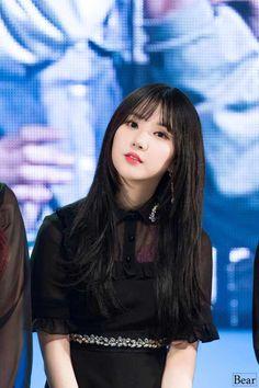 Gfriend at Georyeong Festival 180412 Pretty Asian, Beautiful Asian Girls, South Korean Girls, Korean Girl Groups, Jung Eun Bi, G Friend, Entertainment, Girl Bands, Fandom