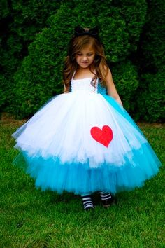Amilia's birthday party dress!! A MUST HAVE :)