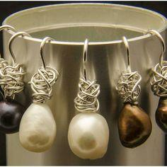 Pendientes ovillo de plata y perlas. Joyeria artesanal personalizada