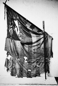 Tattered Civil War Flag showing the effects of battle----History may be repeated if Obama remains president! American Civil War, American History, American Flag, Civil War Flags, Union Flags, War Image, Civil War Photos, Us History, Interesting History