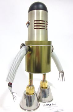 #robot #android #steam #cratf #bot #artesanal #handmade #recicled #repourposed #deboted  More on Facebook @debotedrobot