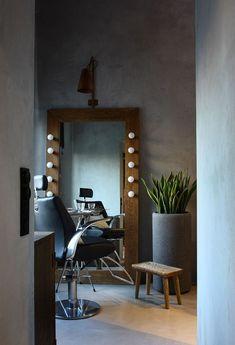 Gorgeous 50 Gorgeous Beauty Salon Interior Design Ideas https://architecturemagz.com/50-gorgeous-beauty-salon-interior-design-ideas/