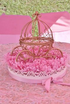 Vintage Princess Party with Lots of Really Cute Ideas via Kara's Party Ideas Vintage Princess Party, Pink Princess Party, Baby Shower Princess, Princess Theme, Vintage Party, Disney Princess, Vintage Pink, Princess Centerpieces, Baby Shower Centerpieces