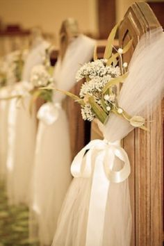 Alter - Pew Decoration Tulle with Yellow flowers and gray ribbon