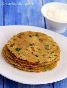 Vegetable parathas, carrots and fenugreek leaves make these parathas rich in vitamin a which is extremely important for your baby's healthy vision. Healthy Snacks List, Healthy Toddler Snacks, Healthy Eating For Kids, Toddler Meals, Kids Meals, Toddler Food, Toddler Recipes, Baby Food Recipes, Indian Food Recipes