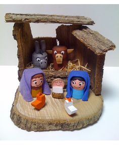 A Christmas Story, All Things Christmas, Cork Crafts, Diy And Crafts, Locker Decorations, Christmas Activities For Kids, Xmas Gifts, Nativity, Recycling