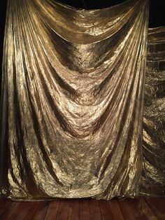 Great for any party with Gold (casino, wedding anniversary, Gatsby, golden birthday, birthday) Source by 50th Wedding Anniversary, Anniversary Parties, Golden Anniversary, Gold Backdrop, Cheap Backdrop, Backdrop Ideas, Booth Ideas, New Year's Eve Backdrop, Fabric Backdrop