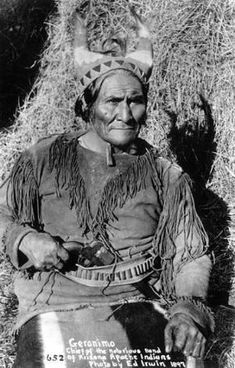 Geronimo - Chiricahua Apache - 1897 Authenticated by annie Native American Beauty, Native American Photos, Native American Tribes, American Indian Art, Native American History, American Indians, Early American, American Symbols, American Women