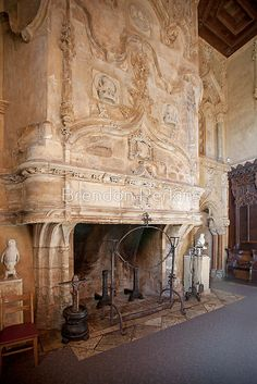 Grand Fireplace, Hearst Castle by Brendon Perkins - I would want something huge and ornate like this for the biggest fireplace in the house Amazing Architecture, Architecture Design, Renaissance, Medieval, Beautiful Homes, Beautiful Places, San Simeon, Fireplace Design, Open Fireplace