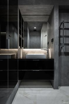 A twilight atmosphere in a contemporary home interior by the Ukrainian design studio YoDezeen. The dark, mysterious emanation of this urban apartment is Urban Apartment, Apartment Interior, Home Interior, Interior Decorating, Interior Design, Dark Interiors, Unique Home Decor, Strip Lighting, Architecture Design