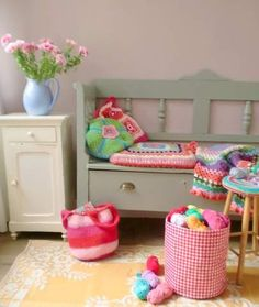 I love this room - going to put some flowers in my girls room