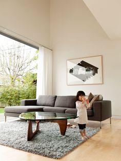 Diseñadores de los clásicos del diseño: Isamu Noguchi y su coffee table http://www.icono-interiorismo.blogspot.com.es/2014/10/disenadores-de-los-clasicos-del-diseno.html