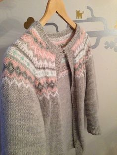 This design is for DK weight, but is also available in a fingering weight version, please refer toNordkapp uten lus Knitting For Kids, Baby Knitting Patterns, Lace Knitting, Baby Patterns, Knitting Projects, Crochet Baby, Knit Crochet, Warm Outfits, Crochet Cardigan
