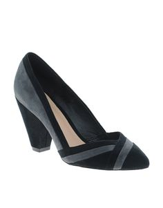 SHUSH Pointed Heels black and grey. LOVE! Wish these were available =(