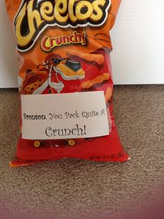 Valentine, you pack quite a Crunch! Valentine Ideas, Valentine Day Crafts, Easy Diy Gifts, Cheetos, Simple Diy, Secret Santa, Holiday Fun, Teacher Gifts, Gifts For Friends