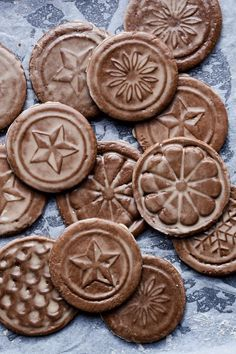 Soft Gingerbread Tiles with Rum Glaze - by Yotam Ottolenghi & Helen Goh Rum Butter, Peanut Butter, Yotam Ottolenghi, Favorite Cookie Recipe, Best Cookie Recipes, Favorite Recipes, Cut Out Cookies, No Bake Cookies, Cookies