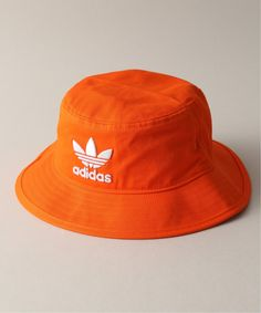 JOINT WORKS|【adidas / アディダス】 AC BUCKET HAT Cute Beanies, Cute Hats, Outfits With Hats, Cute Outfits, Looks Adidas, Bucket Hat Outfit, Looks Hip Hop, Mocca, Sport Wear