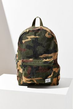 $40 + 25% off school, college, camo, green, fashion, book bag, Herschel Supply Co. Daypack Backpack (affiliate)