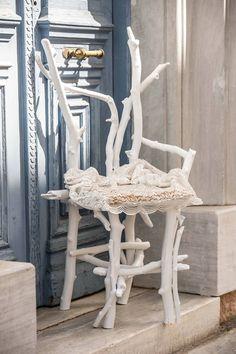 driftwood chair....καρέκλα από λευκά θαλασσοξυλα .. για την διακόσμηση εκκλησίας και φωτογράφιση των νεονύμφων.