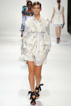 Dries Van Noten Spring 2012 Ready-to-Wear Fashion Show - Caterina Ravaglia (IMG)